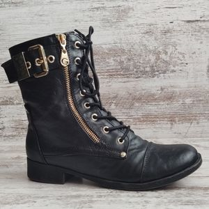 🔴G by Guess Black Boots Gold Accents